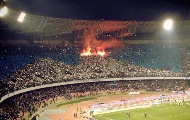 El Vesubio hizo sucumbir a los de Klopp / Napoli 1-0 Liverpool