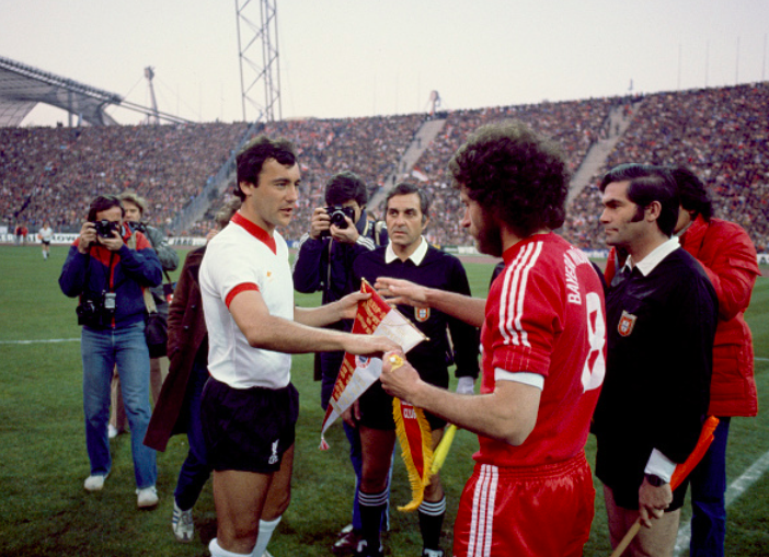 El día que Breitner 'ayudó' al Liverpool a clasificarse en Múnich.