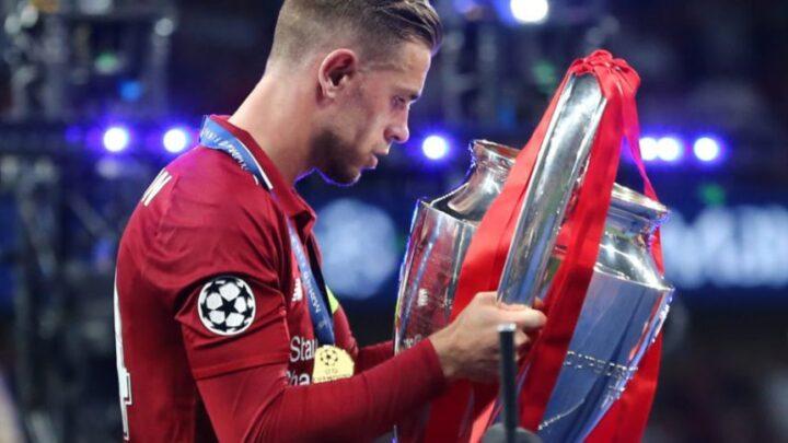 Jordan Henderson pidió a Milner y Klopp levantar el trofeo juntos